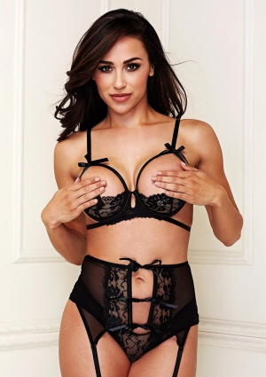 BLACK BRA GARTER CROTCHLESS PANTY SET-ML